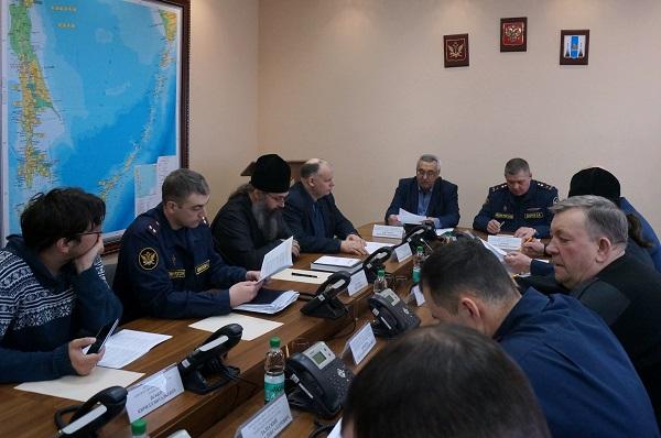 В работе Общественного совета приняли участие представители государственных и общественных организаций Сахалинской области