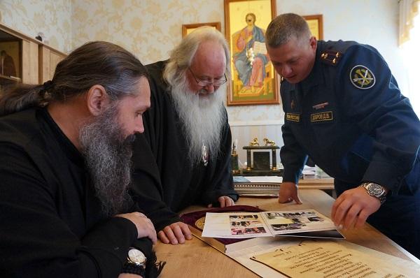 с 25 – летием Южно-Сахалинской и Курильской епархии Русской Православной Церкви